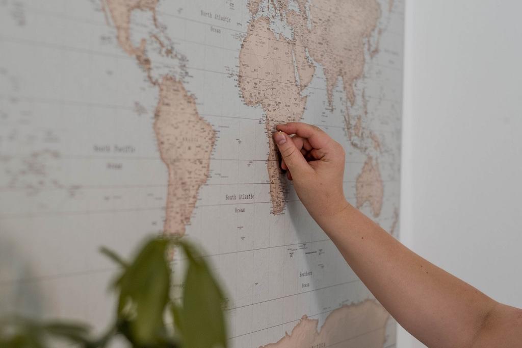 Weltkarte und Pins